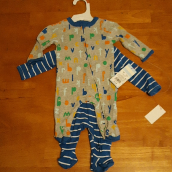 2 PC set of Newborn Sleepers
